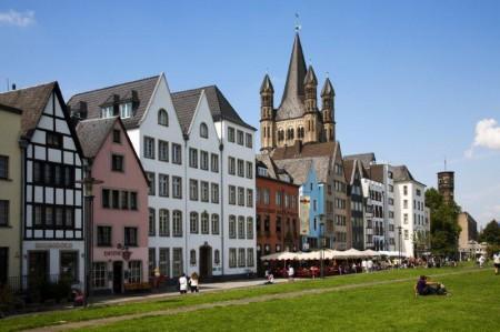 La plaza Fischmarkt y sus casas de colores.