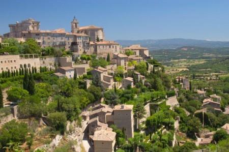 El pueblo medieval de Gordes, un imprescindible de la ruta de la lavanda