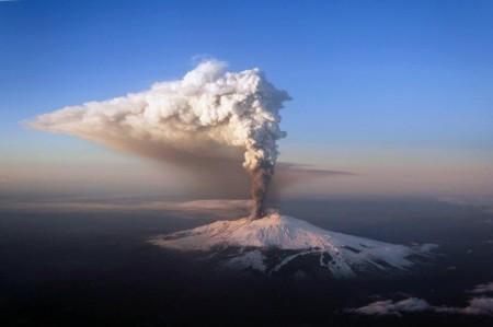 El volcán Etna en una de sus últimas erupciones