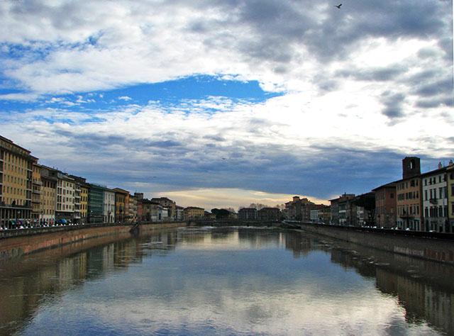 PISA - El río Arno
