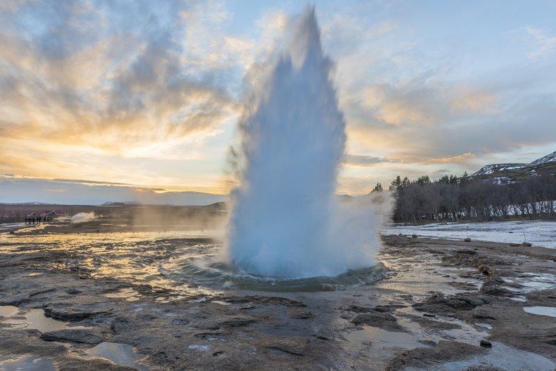 geyser strokkur islandia