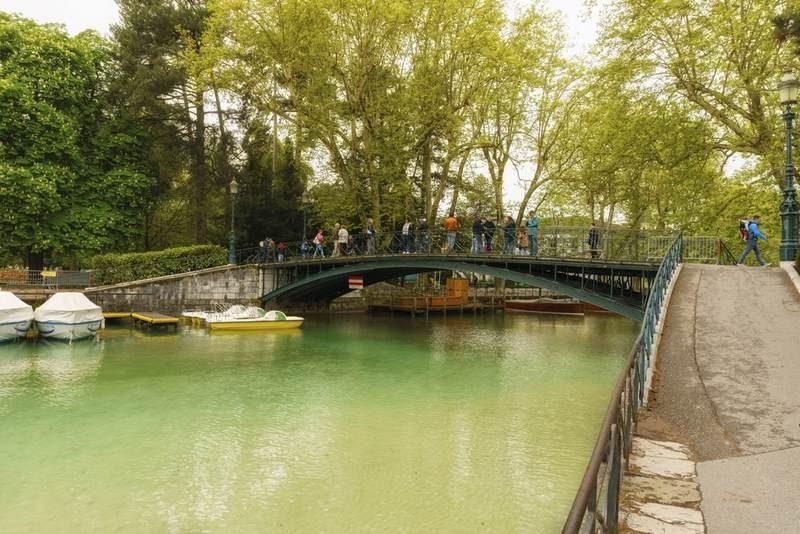 Puente del amor, en Annecy