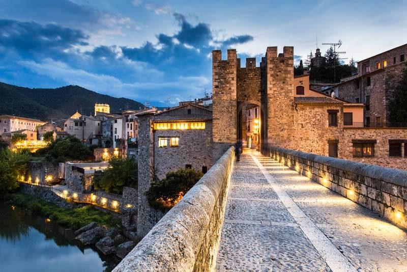Besalú Costa Brava Girona