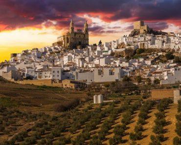 Olvera, Pueblos blancos de Cádiz