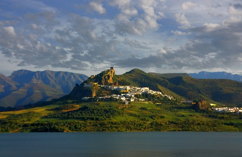 Zahara de la Sierra, pueblos blancos Cádiz